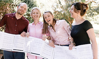 4 klaviristi